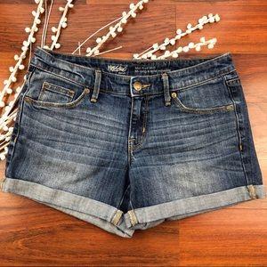 Mossimo mid rise  dark wash midi shorts Size 4/27